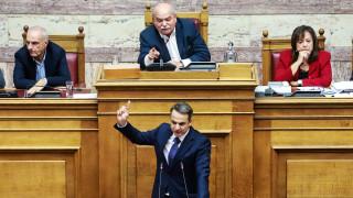 Κακός χαμός στη Βουλή:  «Σκοτώθηκαν» Μητσοτάκης – Βούτσης