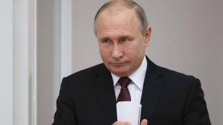 Ο Πούτιν κρούει τον κώδωνα του κινδύνου: Θα χαθεί ο έλεγχος των εξοπλισμών λόγω Τραμπ