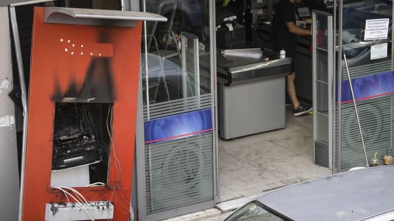 Ανατίναξαν ATM σε σούπερ μάρκετ στα Γλυκά Νερά
