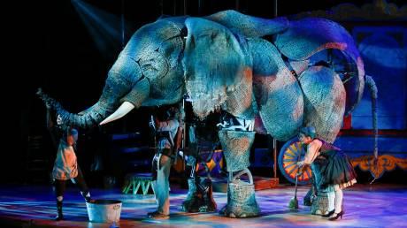 Εντυπωσιακοί ελέφαντες… μαριονέτες στο Λονδίνο