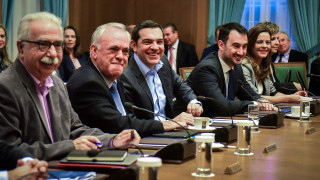 Υπουργικό συμβούλιο: 15.000 προσλήψεις στην Παιδεία υποσχέθηκε ο Τσίπρας