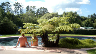 Πωλείται ο «παράδεισος» των γυμνιστών της Νέας Ζηλανδίας (pics)