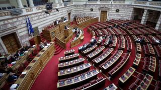 «Βροχή» τροπολογιών στο τελευταίο νομοσχέδιο της χρονιάς - Σφοδρές αντιδράσεις