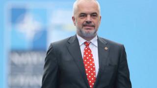 Χαμός στη Βουλή της Αλβανίας: Πέταξαν αυγό στον Ράμα (vid)