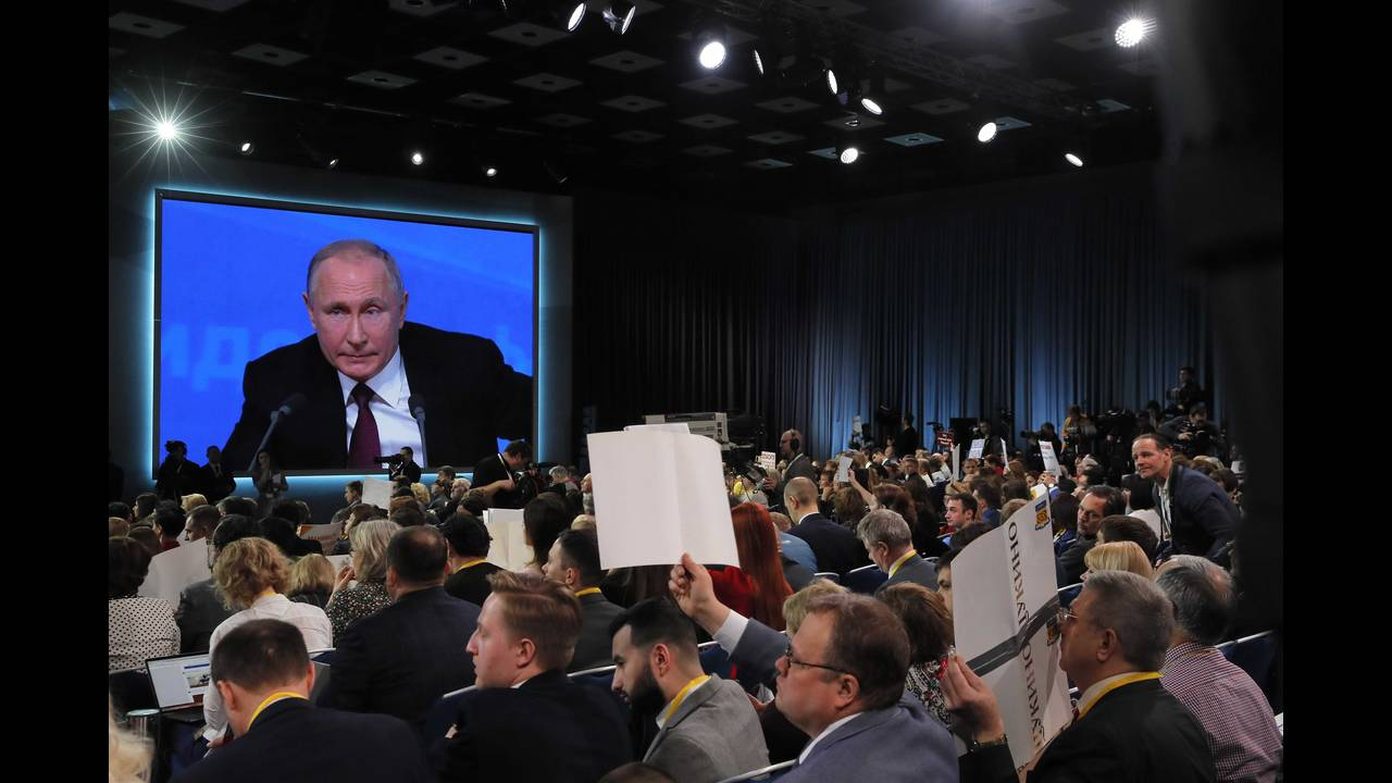 https://cdn.cnngreece.gr/media/news/2018/12/20/159081/photos/snapshot/2018-12-20T095843Z_1042328575_UP1EECK0RPUMB_RTRMADP_3_RUSSIA-PUTIN.JPG