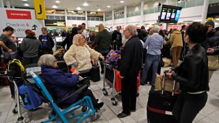 Άνοιξε το αεροδρόμιο του Γκάτγουικ - Μεγάλη ταλαιπωρία για «περιορισμένες πτήσεις»