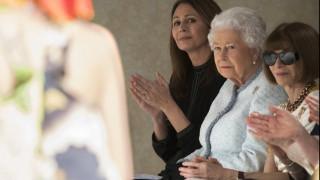 Ρίτσαρντ Κουίν: Ο σχεδιαστής του 2018 είναι ο μόνος που έφερε τη βασίλισσα στο σόου του