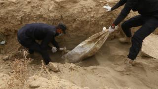 Βρέθηκε νέος ομαδικός τάφος στο Ιράκ σε περιοχή που βρισκόταν υπό τον έλεγχο του ISIS