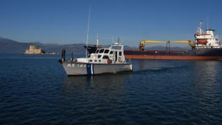 Σκάφος με δεκάδες μετανάστες προσάραξε ανοιχτά της Κυπαρισσίας