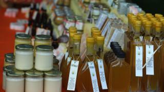 Guardian: Το ρακόμελο ανάμεσα στα δέκα καλύτερα ποτά του κόσμου για τον χειμώνα