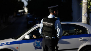 Συνελήφθη ο ένας από τους δύο ληστές των ΕΛΤΑ στα Βίλια που είχε δραπετεύσει