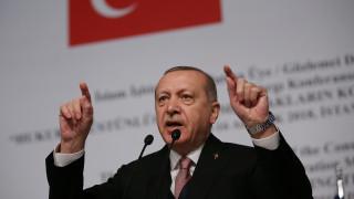 Ερντογάν σε Αμπάς: Η Τουρκία θα συνεχίσει να βρίσκεται στο πλευρό των Παλαιστίνιων