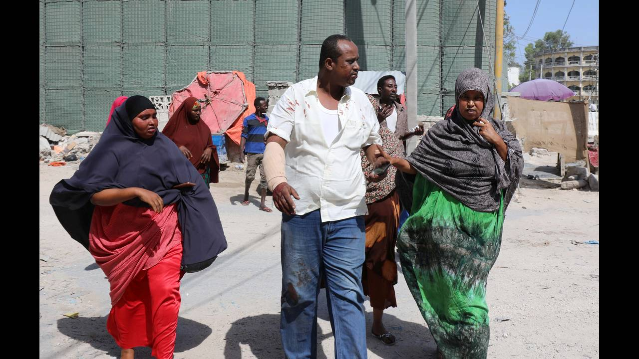 https://cdn.cnngreece.gr/media/news/2018/12/23/159327/photos/snapshot/2018-12-22T112323Z_393066963_RC1E87F45DA0_RTRMADP_3_SOMALIA-SECURITY.JPG