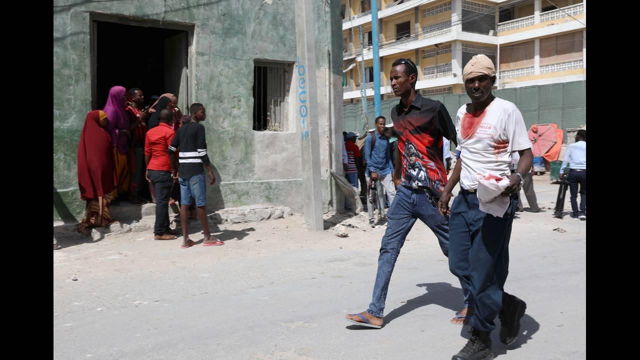 https://cdn.cnngreece.gr/media/news/2018/12/23/159327/photos/snapshot/2018-12-22T112448Z_623674868_RC1C52FB0170_RTRMADP_3_SOMALIA-SECURITY.JPG