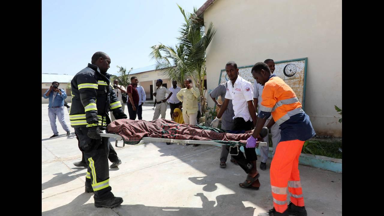 https://cdn.cnngreece.gr/media/news/2018/12/23/159327/photos/snapshot/2018-12-22T114623Z_895249659_RC1BC6F5D040_RTRMADP_3_SOMALIA-SECURITY.JPG