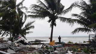 Τραγωδία δίχως τέλος στην Ινδονησία: Εικόνες καταστροφής με εκατοντάδες νεκρούς και τραυματίες