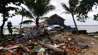 ΥΠΕΞ: Δεν υπάρχουν Έλληνες μεταξύ των θυμάτων από το τσουνάμι στην Ινδονησία