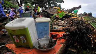 Ινδονησία: «Σπάνια φαινόμενα προκάλεσαν το πιο αιφνίδιο τσουνάμι» – Γιατί δεν υπήρξε προειδοποίηση