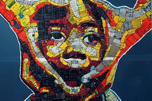 Ένα έργο Τέχνης δημιουργημένο από πληκτρολόγια χαλασμένων κινητών τηλεφώνων από τον 24χρονο Desire Koffi που θα σας εντυπωσιάσει.