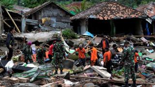 Τσουνάμι Ινδονησία: Στους 281 αυξήθηκαν οι νεκροί - Ξεπέρασαν τους 1.000 οι τραυματίες