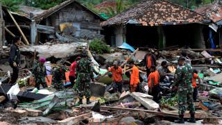 Ινδονησία: Αυξάνεται δραματικά ο αριθμός των νεκρών - Ειδοποίηση για πιθανό νέο τσουνάμι