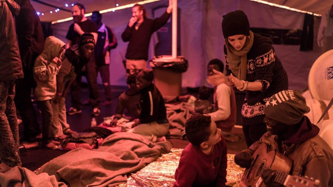 Σκάφος γερμανικής ΜΚΟ με 33 μετανάστες αναζητεί λιμάνι για αποβίβαση εδώ και τέσσερις μέρες