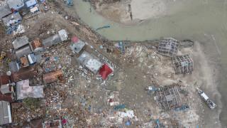 Ινδονησία: Συνεχίζονται οι έρευνες για τον εντοπισμό των εκατοντάδων αγνοουμένων