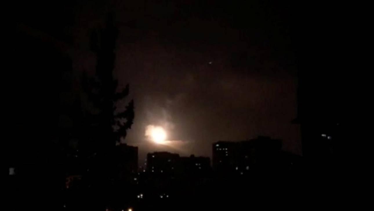 Συρία: Τα συστήματα αντιαεροπορικής άμυνας στη Δαμασκό αναχαίτισαν «εχθρικούς στόχους»