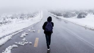 Καιρός - Έκτακτο δελτίο ΕΜΥ: Χιόνια και στην Αττική - Αυτές οι περιοχές θα «ντυθούν» στα λευκά