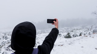 Κακοκαιρία: Χιόνια στην Πάρνηθα - Δείτε LIVE σε ποιες περιοχές χιονίζει σε όλη την Ελλάδα