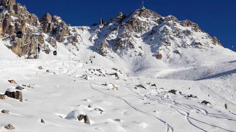 Χριστουγεννιάτικο «θαύμα»: Παιδί έμεινε θαμμένο σε χιονοστιβάδα για 40 λεπτά και επέζησε