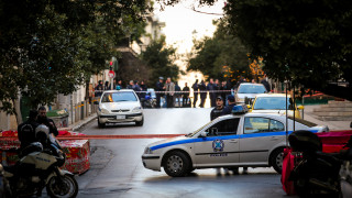 Έκρηξη Κολωνάκι: Ποιο μηχανισμό θυμίζει η βόμβα έξω από τον Άγιο Διονύσιο