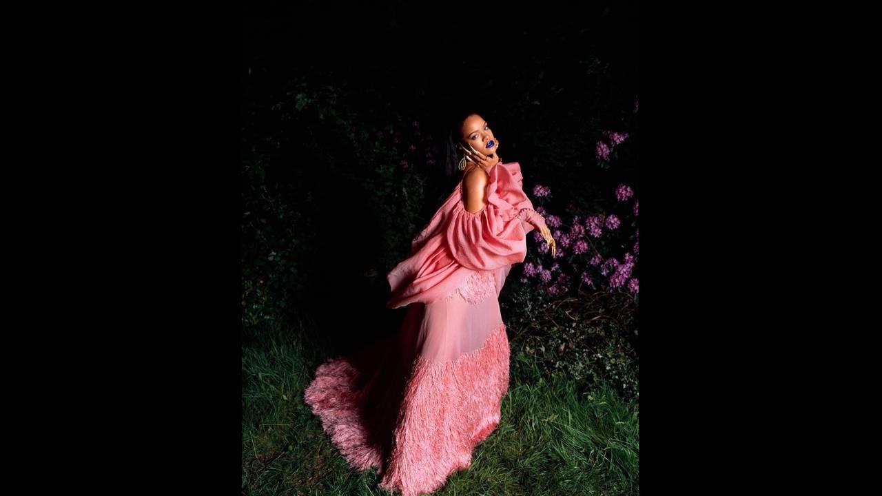 https://cdn.cnngreece.gr/media/news/2018/12/28/159924/photos/snapshot/Rihanna-Garage-Magazine-Cover-Photoshoot03.jpg
