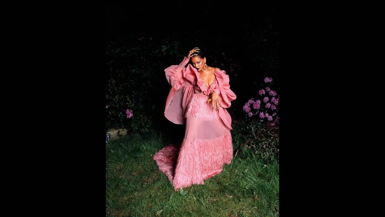 https://cdn.cnngreece.gr/media/news/2018/12/28/159924/photos/snapshot/Rihanna-Garage-Magazine-Cover-Photoshoot07.jpg
