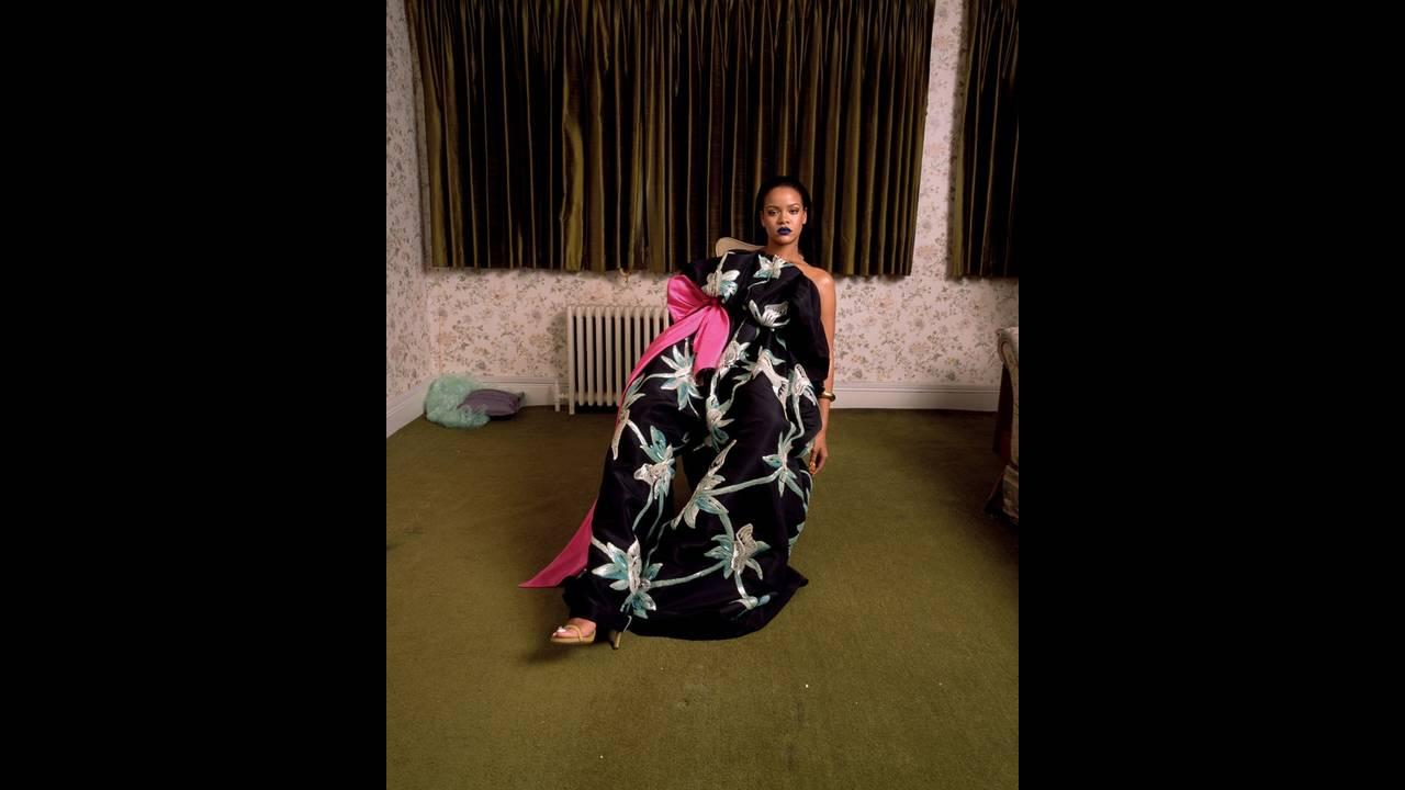 https://cdn.cnngreece.gr/media/news/2018/12/28/159924/photos/snapshot/Rihanna-Garage-Magazine-Cover-Photoshoot08.jpg