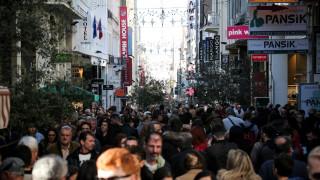 Εορταστικό ωράριο: Πώς θα λειτουργούν τα μαγαζιά ως την Πρωτοχρονιά