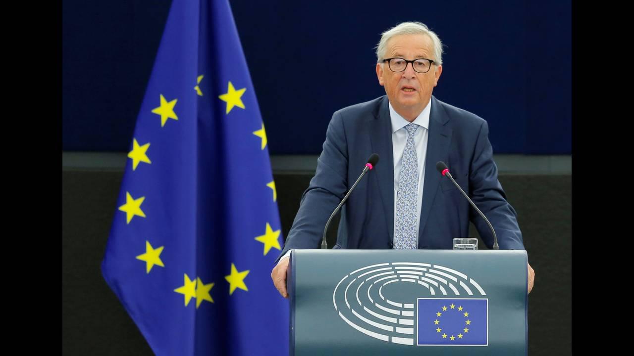 https://cdn.cnngreece.gr/media/news/2018/12/30/160061/photos/snapshot/2018-09-12T073155Z_1100068802_RC19D42A5710_RTRMADP_3_EU-JUNCKER.JPG