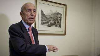 Σημίτης: Οι οικονομικοί στόχοι θα οδηγήσουν την Ελλάδα σε νέο δανεισμό από την ΕΕ