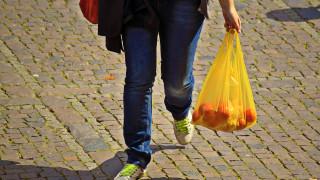 Πλαστική σακούλα: Πόσο θα αυξηθεί η τιμή της από το νέο έτος