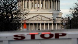 «Παραλύουν» οι ΗΠΑ με το «shutdown» των ομοσπονδιακών υπηρεσιών: Εθελοντές έλαβαν δράση
