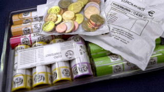 Το 20ετές «πείραμα» του ευρώ: Η… χρυσή δεκαετία, η κρίση και οι εκκρεμότητες