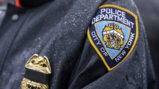 ΗΠΑ: Αστυνομικός έβγαλε… νοκ άουτ επίδοξους βιαστές