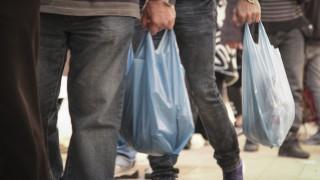 Πλαστική σακούλα: Αυξήθηκε από σήμερα η τιμή της - Πόσο έχει μειωθεί η κατανάλωσή της