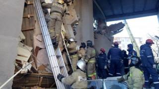 Ρωσία: Στους 9 οι νεκροί από την έκρηξη στην πολυκατοικία - Δεκάδες αγνοούμενοι