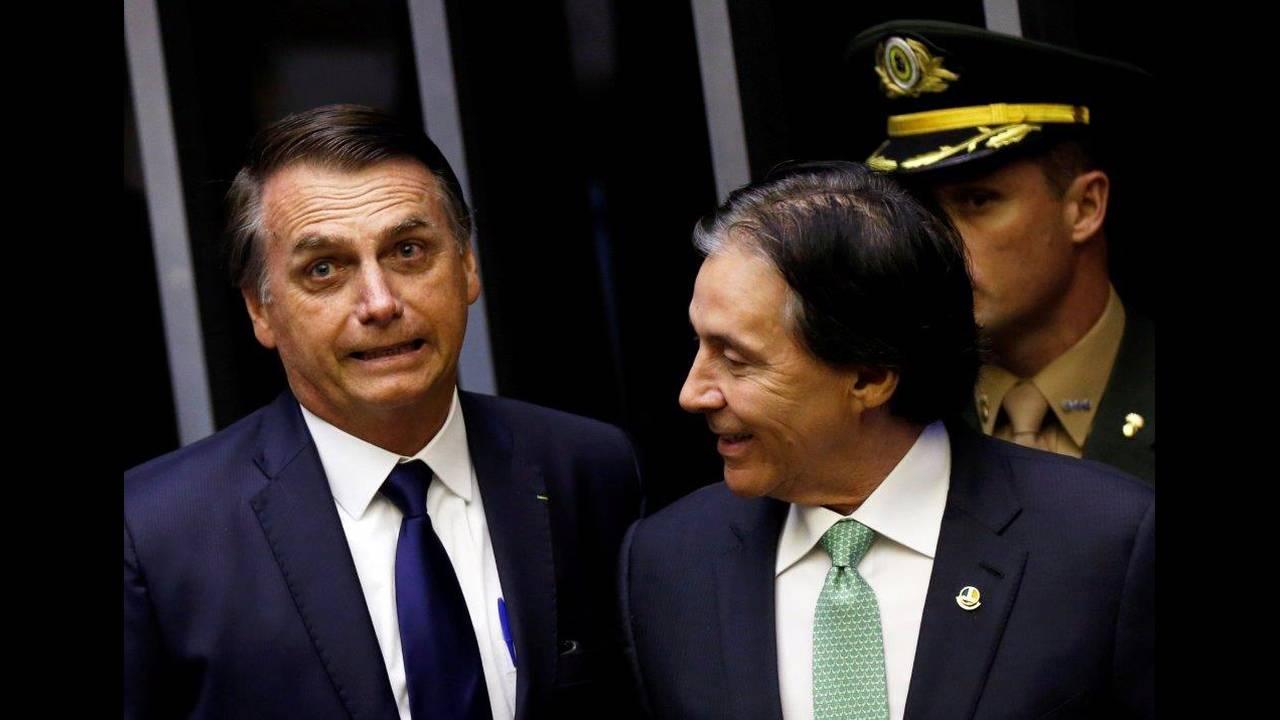 https://cdn.cnngreece.gr/media/news/2019/01/01/160309/photos/snapshot/2019-01-01T183328Z_729891721_RC111CD4D690_RTRMADP_3_BRAZIL-POLITICS.jpg