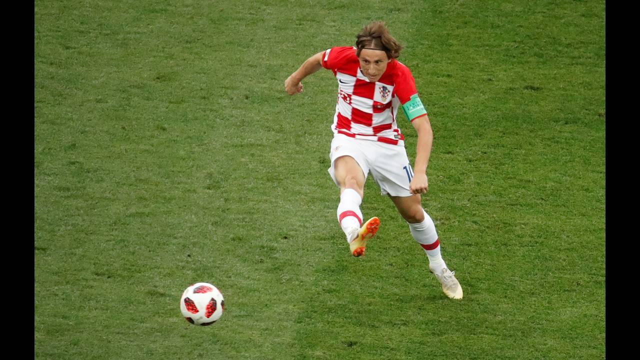 https://cdn.cnngreece.gr/media/news/2019/01/02/160351/photos/snapshot/worldcup_modric.JPG