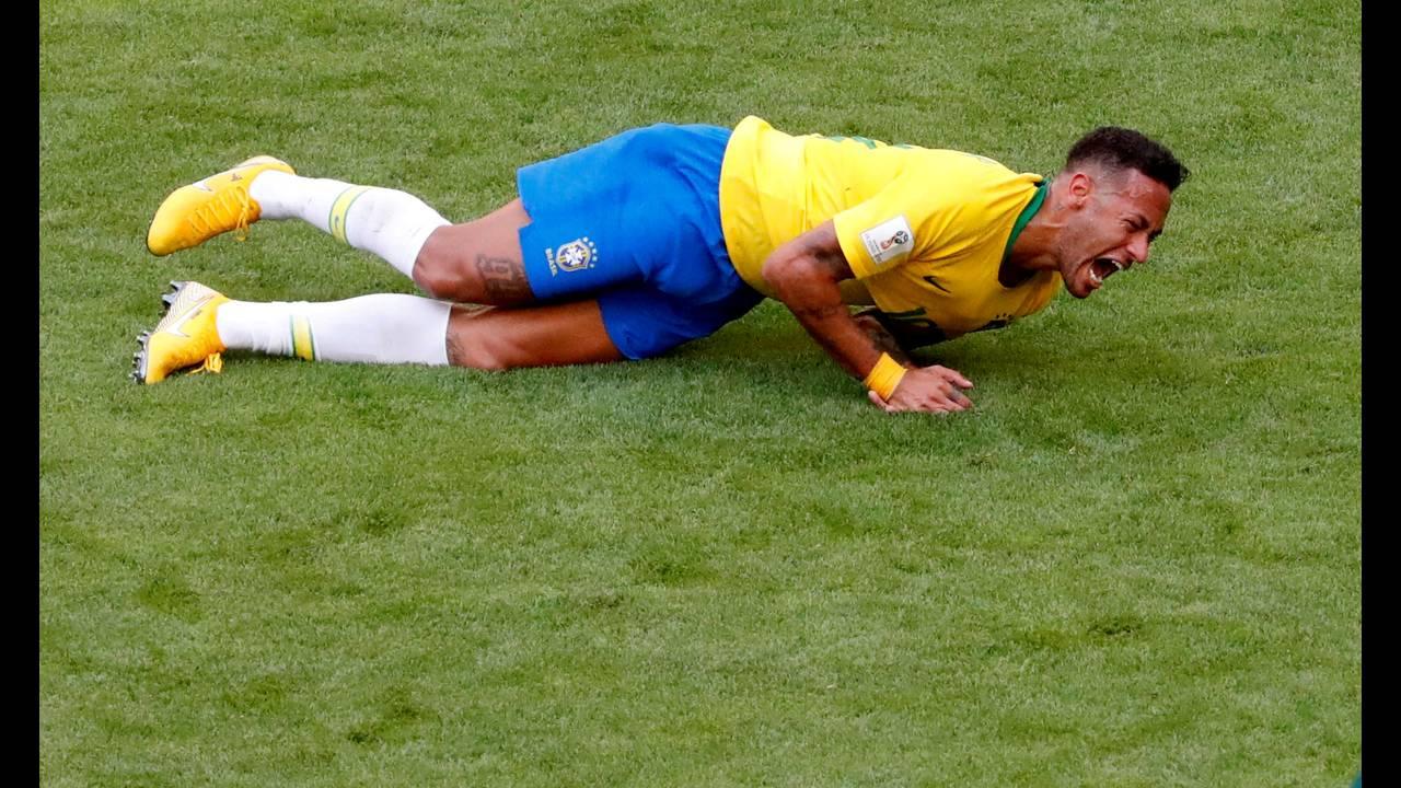 https://cdn.cnngreece.gr/media/news/2019/01/02/160351/photos/snapshot/worldcup_neymar.JPG