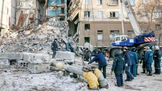 Κατάρρευση πολυκατοικίας στη Ρωσία: Αυξάνονται οι νεκροί - 1.000 διασώστες αναζητούν επιζώντες