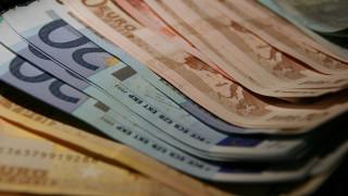 Ποιοι εργαζόμενοι δικαιούνται εφάπαξ οικονομική ενίσχυση 1.000 ευρώ