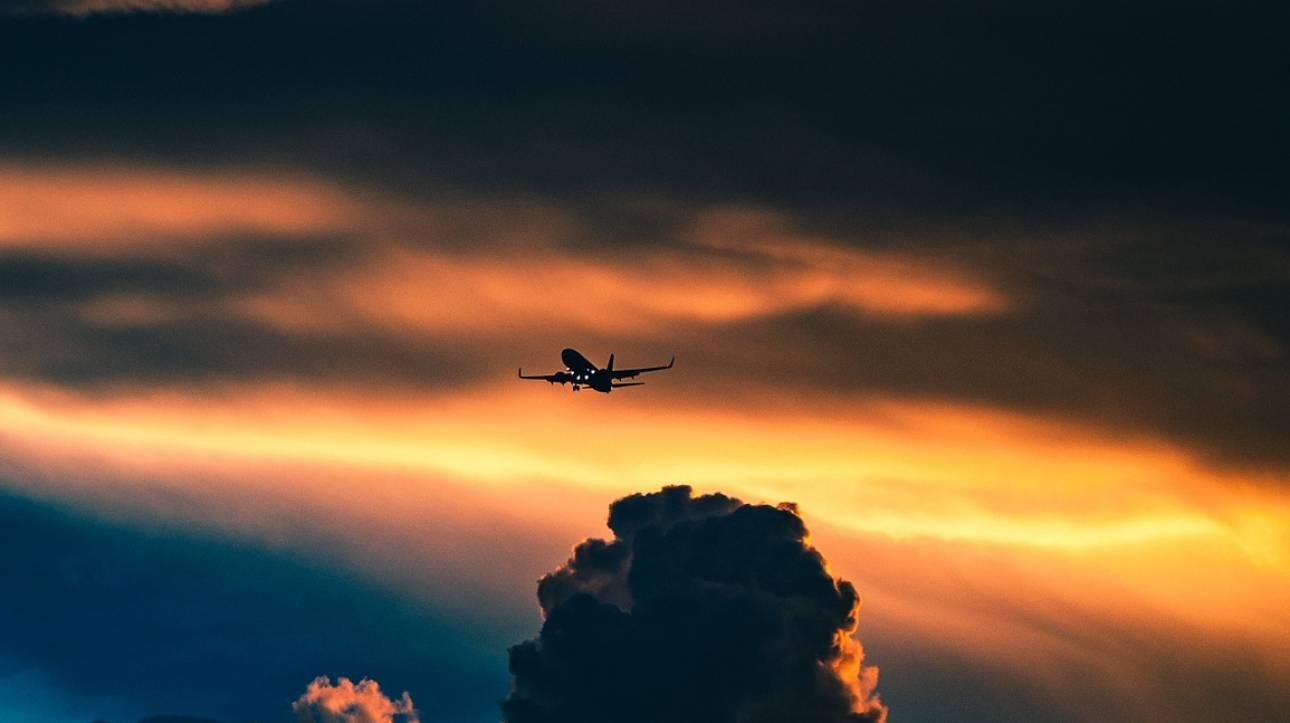 Ταξίδι στο… χρόνο: Αεροπλάνο απογειώθηκε το 2019 και προσγειώθηκε το 2018